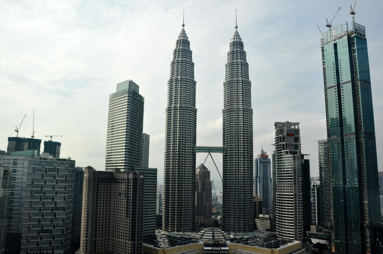 Malaysia and Indonesia as the Global Center for Islamic Financial Market